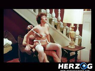 Порно видео зрелые волосатые