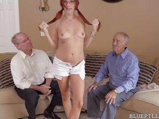 Порно первый раз на камеру